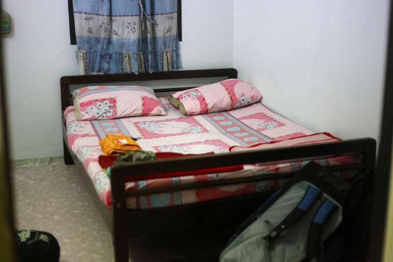 room1o.jpg